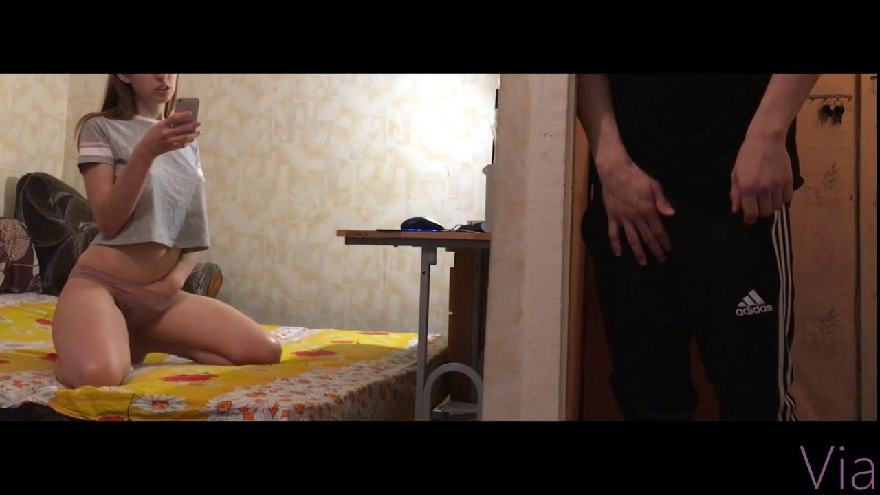 Сестра Застукала Видео Порно Русское